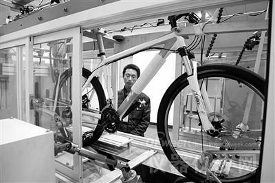 多重传感监测技术助力中国首条空中自行车道试营