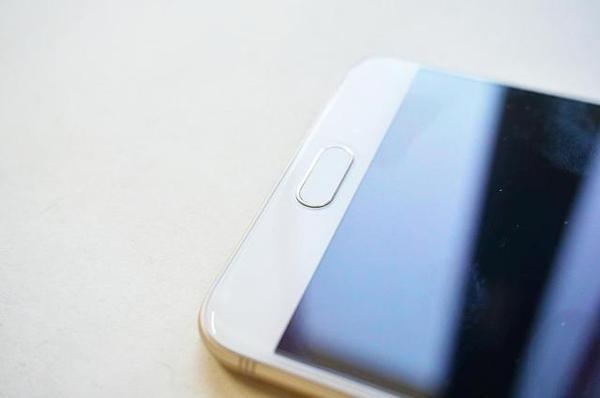 三星Galaxy C7 Pro体验评测:三星最具性价比的手机
