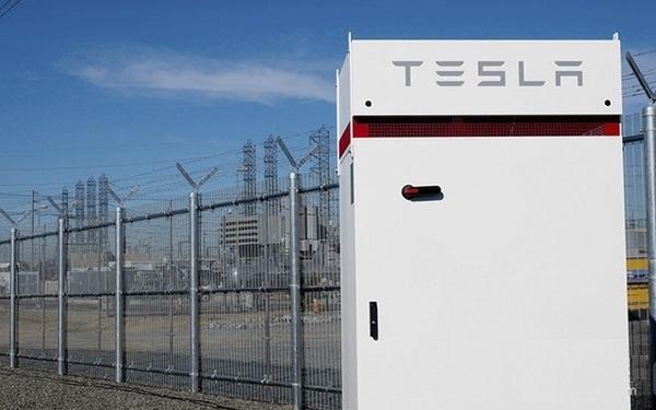 哈佛研发新型充电流体电池 未来应用更广泛