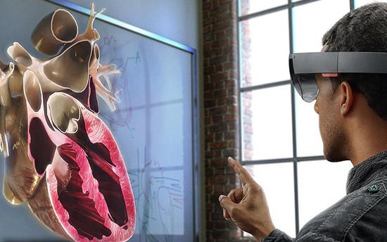 不想错过AR/VR的微软为何主动取消二代Hololens产品规划?