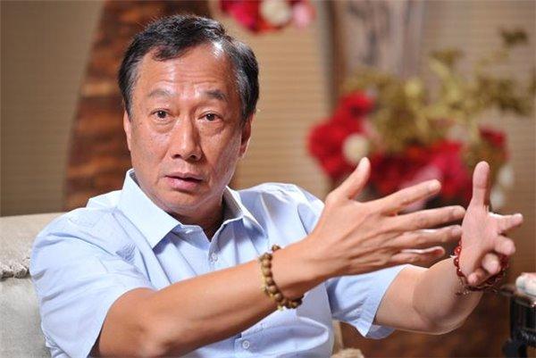 央视财经专访富士康总裁郭台铭:想往高端走 来找我们富士康!