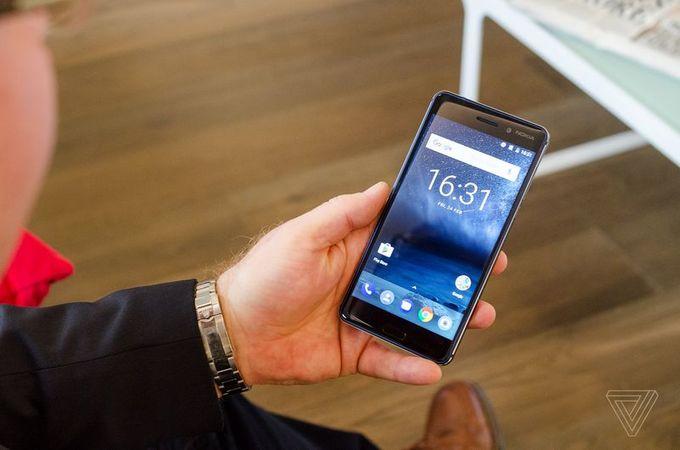 Nokia 5/Nokia 3/Nokia 3310上手:MWC 大舞台上 HMD 带来了什么?