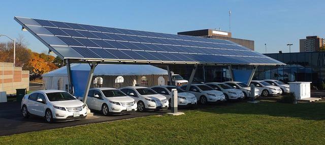 旧金山新建筑要求标配太阳能板 以满足电动车充电需求