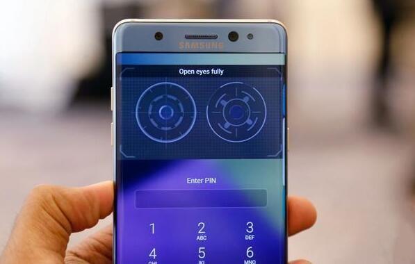 指纹传感器已经被淘汰?三星手机将逐渐取消指纹