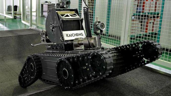 未来机器人取代人类造房子