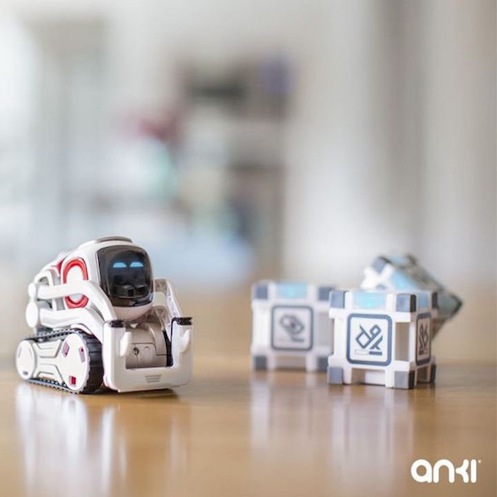 销量冠军:Anki Cozmo智能玩具机器人