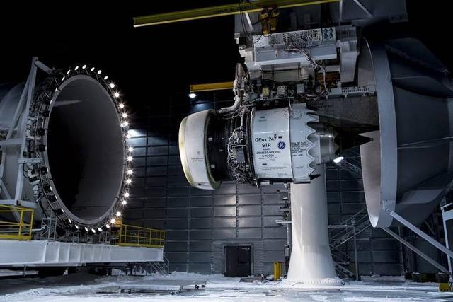 世界三大航空发动机制造商为通用电气(ge),罗尔斯·罗伊斯(rr)和