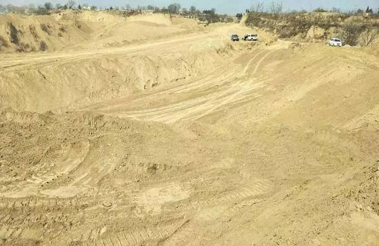 陕西一光伏项目占用经济林 征地补偿没谈拢就偷偷开挖