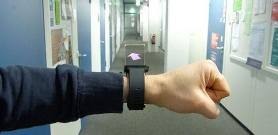 谷歌开发WatchThru智能手表 可体验3D全息影像