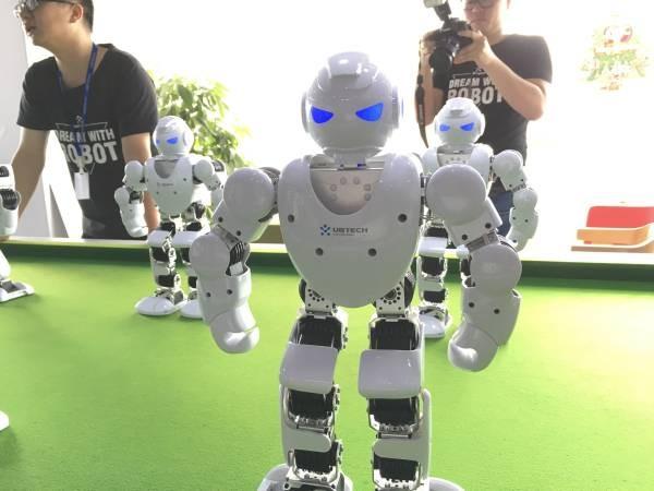 优必选周剑:机器人普及还要十年 90%创业都会死