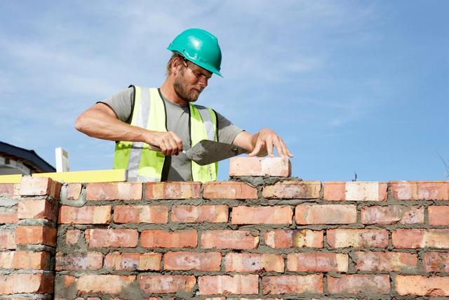 搬砖我只服它!英国机器人砌墙速度是人工的六倍