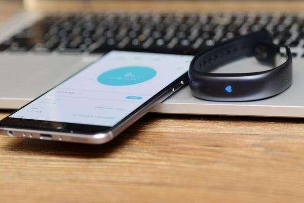 8款主流智能手环对比评测,有的手环计步几乎没用