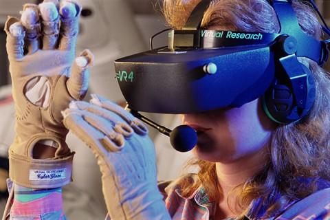 VR产业步入静默期 未来从应用爆发