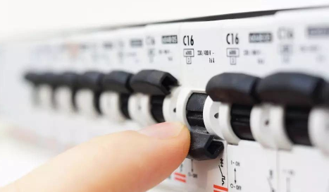 电工工程师和电工区别图片