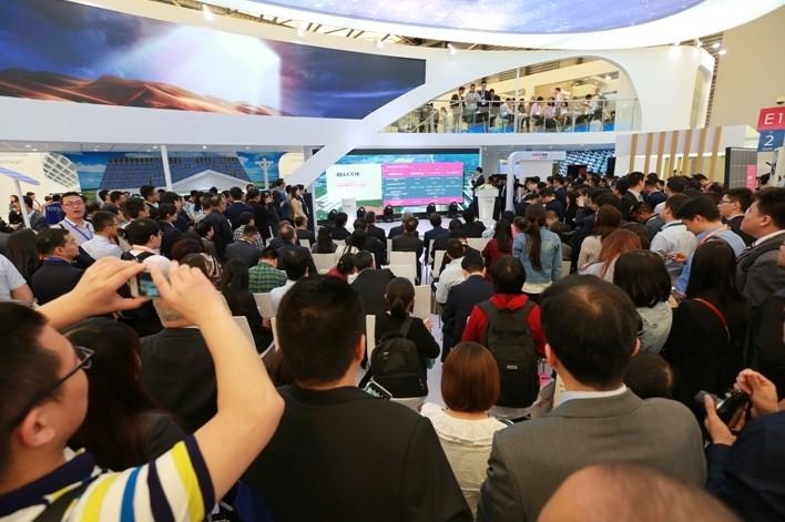 隆基乐叶发布新品Hi-MO2:开启高效单晶PERC双面技术新时代