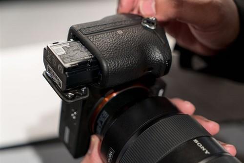 传感器快20倍!索尼全画幅旗舰相机A9上手