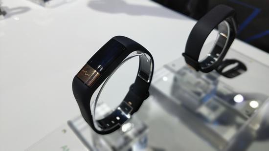 华米科技发布全新AMAZFIT米动健康手环:宣布进军医疗大健康领域