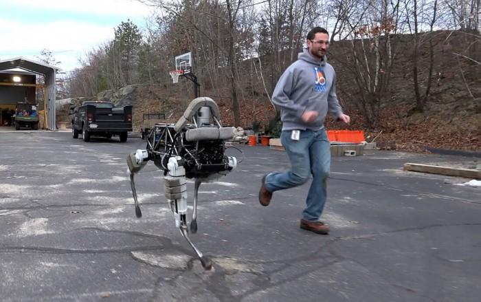 不做军用做商用 波士顿动力类人机器人可送包裹