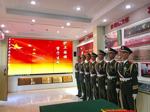 拥军爱国,实业兴邦——TCL商用云拼接入驻天安门国旗护卫队荣誉室