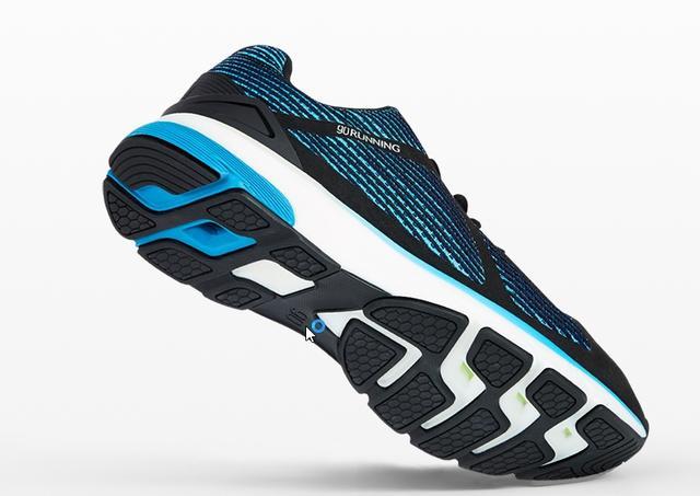 小米发布新款 90 分 Ultra Smart 智能运动鞋,内置英特尔 Curie 模块