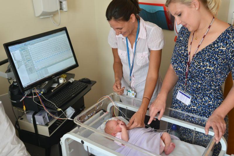脑部扫描(EEG)可辨别新生儿疼痛