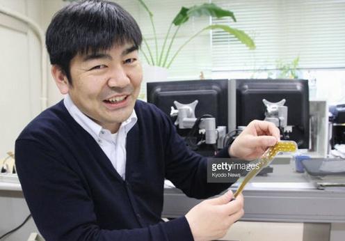 日本发明出舌控轮椅:舌头移动就可传递信号