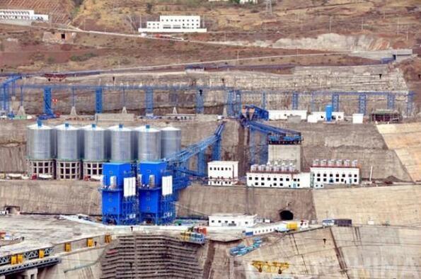 国内最大规模混凝土生产系统正式投产运行