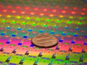 晶圆制造厂商斗不停 半导体设备国产化有机遇