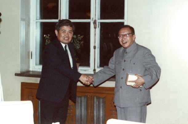 友谊与共进:中国光电大牛对话滨松公司社长