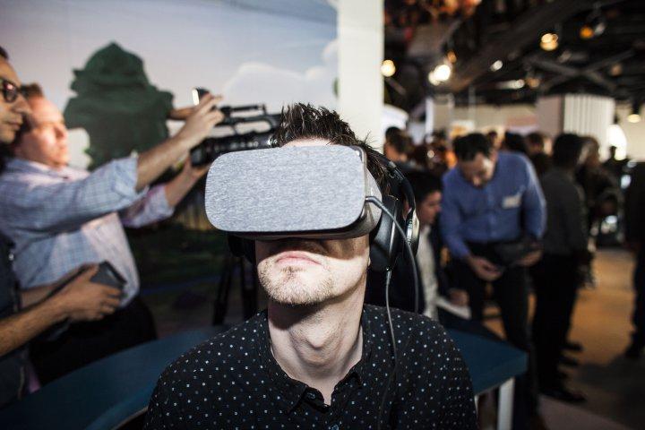 谷歌携手联想、HTC生产独立式VR头显