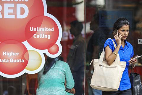 销量前五霸占四席!中国手机厂商占据印度手机市场半壁江山
