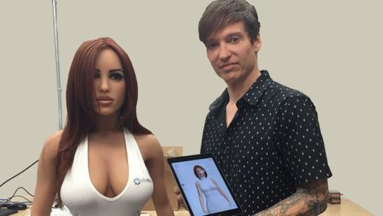 这款性爱机器人能说会走 这就算完美吗?