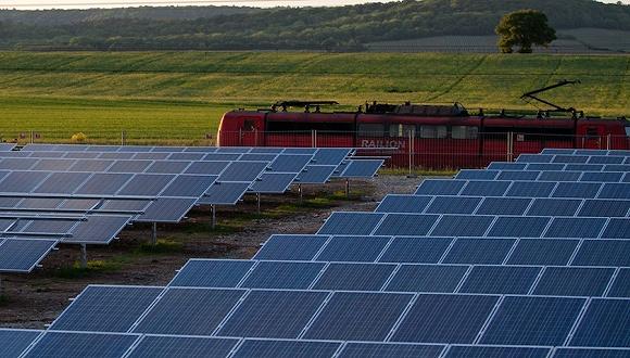 全球光伏产业战加剧:美国考虑对进口太阳能电池施加紧急关税