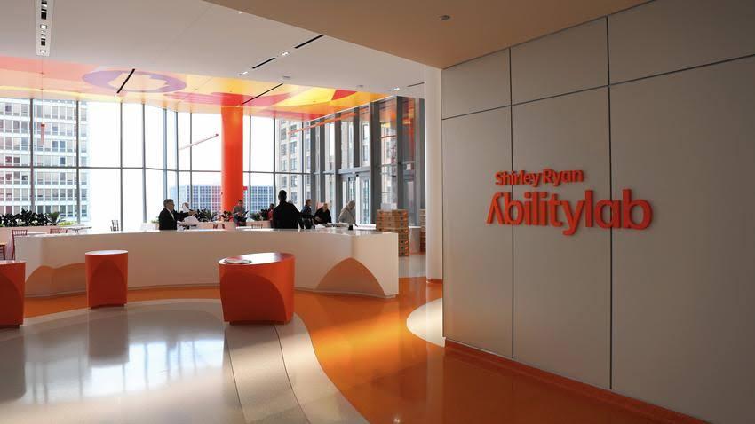 AbilityLab开发出特殊轮椅:可帮助瘫痪病人站起来