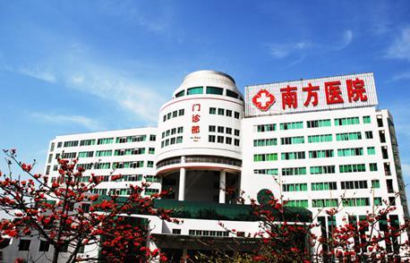 """告别""""手抄报表"""" 锐捷网络RIIL引领数字医院创新与运营"""