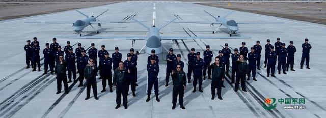 中国首次公开无人机部队!一大波翼龙震撼全球
