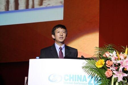 微软全球副总裁王永东:人工智能一面是智能,另一面一定要接近于人