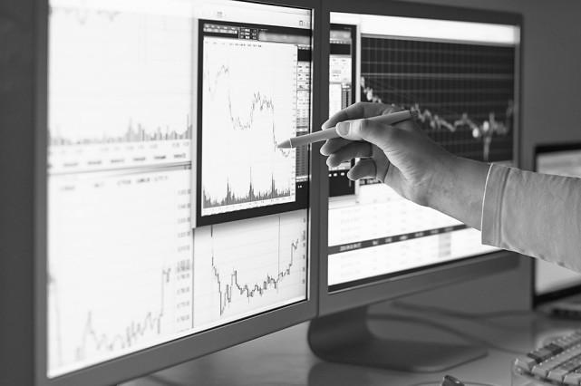 揭秘华尔街人工智能真实水平:距40%金融民工被取代或只剩8年
