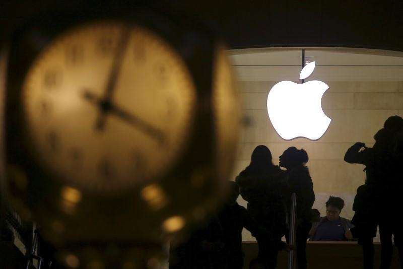 """停留于""""胶水创新""""的苹果,正在向AI时代示弱"""