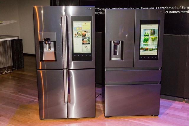 三星发布2017款Family Hub智能冰箱:支持语音控制功能
