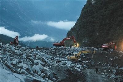 四川茂县山体垮塌救援:安防在抗震救灾中担以重任