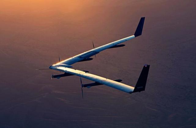 Facebook巨型上网无人机重大进展:首次成功起飞着陆