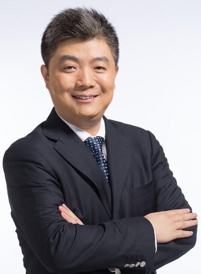 专访科大讯飞执行总裁胡郁:关于硬件合作方选择、砍掉伪需求AI产品线,我想谈几点