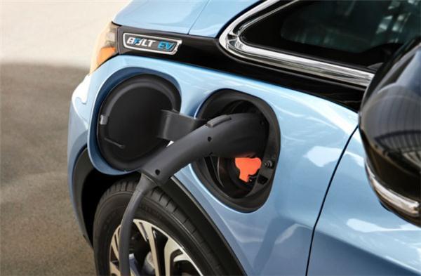 超40个传感器打造的通用无人驾驶电动汽车将上路测试