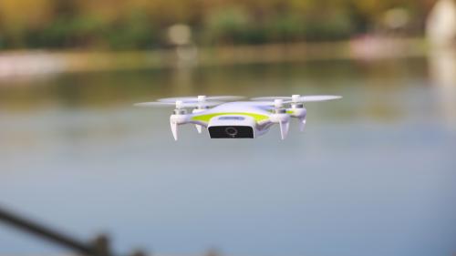 新手首选:小白无人机教你5分钟玩转高难度航拍