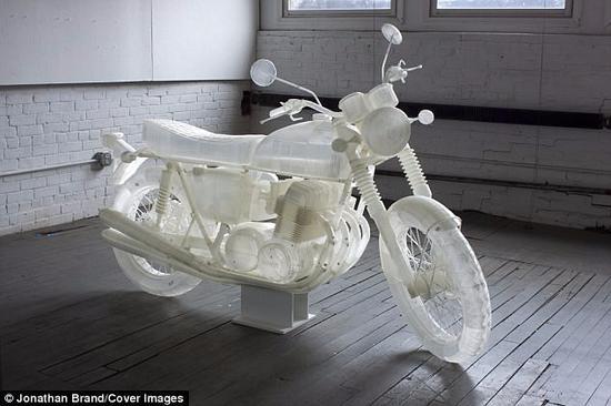 艺术家用3D打印1:1复制本田CB500摩托车
