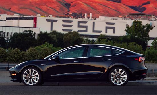 特斯拉生存没问题 但要统治电动汽车世界只能呵呵