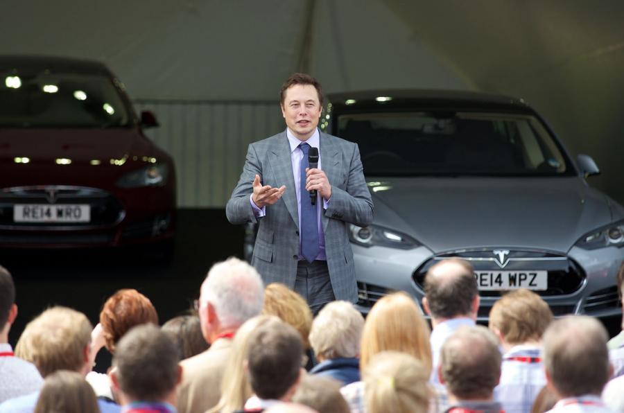 马斯克:无人驾驶车将在未来十年内普及