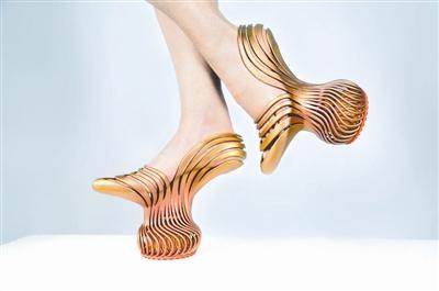 以色列设计3D打印弹簧减震高跟鞋