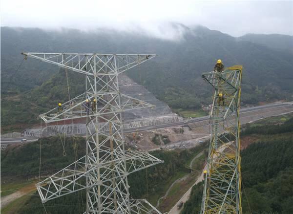 聚焦:上半年广西电网干了哪些大事?